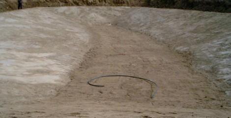 Excavación de balsa de bentonita. Urrául Alto 2012