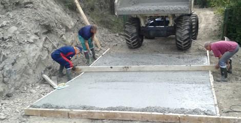 Deatlle badén de hormigón (HA-25). Uscarrés 2015